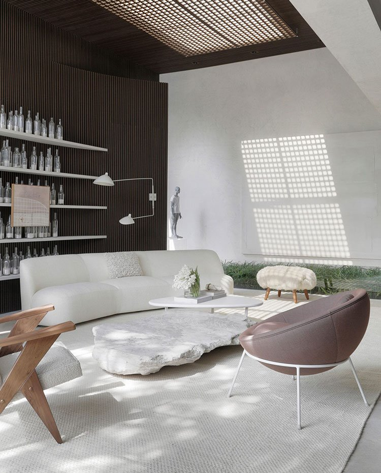 Salón con sofá blanco y butaca morada, estantería con botellas y pared alistonada, alfombra blanca y techo con lucernario y pantalla perforada